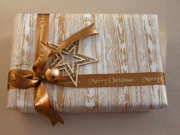 Christmas wrappings 016