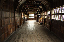 220px-Long_Gallery,_Little_Moreton_Hall