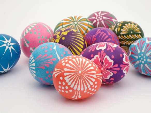 aster-eggs-wycinanki-easter-eggs-easter-easter-decor-holiday-decorating-decor-easter-bunny-easter-egg-easter-candy-food-crafts-lace-painted-eggs-via-pinteres