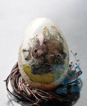 decorative-easter-egg-100135545