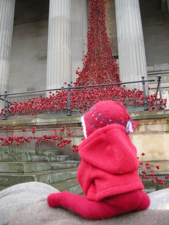 war-memorial-poppies-at-liverpool-005