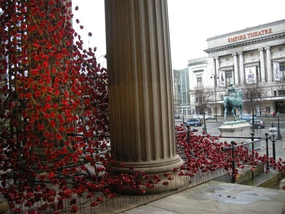 war-memorial-poppies-at-liverpool-015