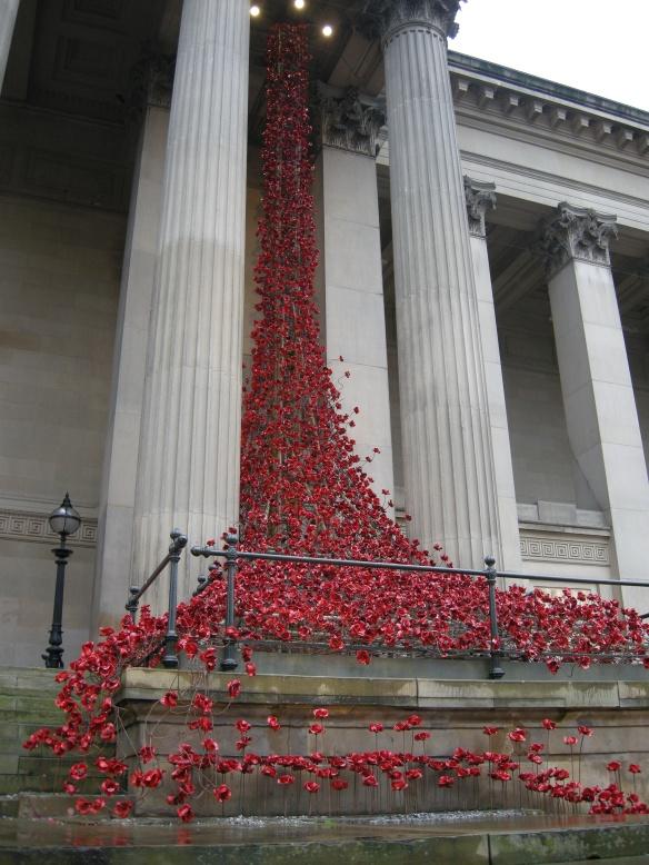 war-memorial-poppies-at-liverpool-027